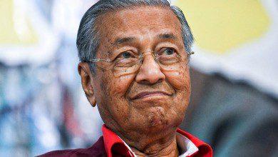 Photo of مهاتير محمد يعبر عن امتنانه للانتقال السلمي للسلطة في ماليزيا