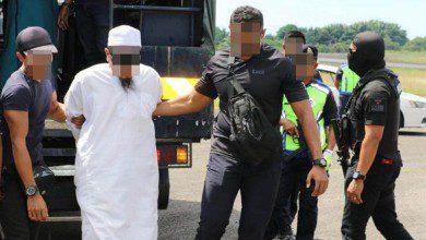 Photo of الشرطة الماليزية تعتقل 13 شخصاً بتهم مرتبطة بالإرهاب