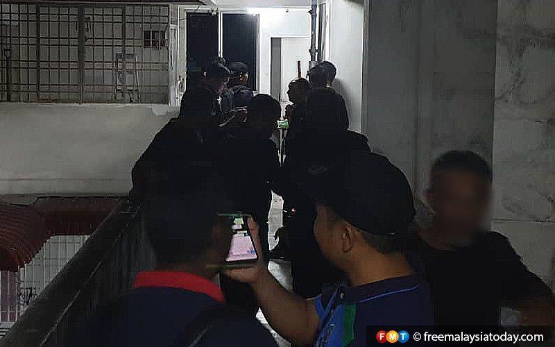 العثور على قنبلتين وذخيرة في غارة أمنية على شقة في بينانج