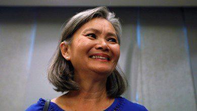 صورة زعيمة المعارضة الكمبودية عالقة بمطار كوالالمبور