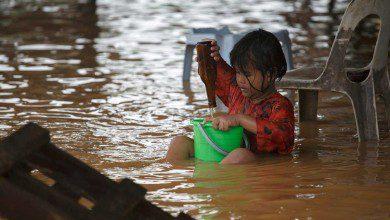 صورة إجلاء 2,296 شخصًا في ترينجانو و315 في كيلانتان بسبب الفيضانات