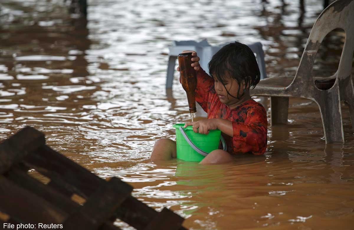 إجلاء 2،296 شخصًا في ترينجانو و315 في كيلانتان بسبب الفيضانات