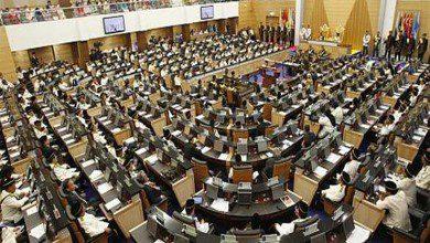صورة إصابة بكوفيد-19 تتسبب في إيقاف الجلسة الأولى للبرلمان الماليزي
