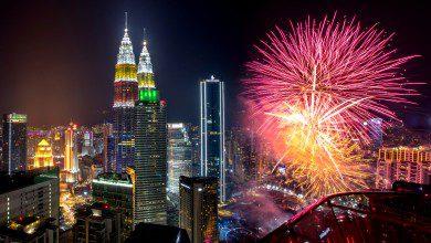 صورة بالاحتفالات والأمنيات.. ماليزيا تستقبل عام 2020