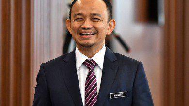 """صورة أكثر الوزراء إتقاناً للغة العربية وخريج الأردن.. تعرف على وزير التعليم الماليزي """"المستقيل"""""""