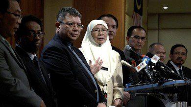 Photo of ماليزيا تواصل إجلاء رعاياها من مناطق الوباء في الصين