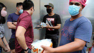 صورة الشرطة الإندونيسية تحبط تهريب 12000 قناع وجه إلى ماليزيا