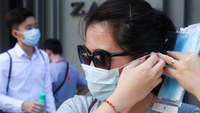 Photo of الحكومة تخفض سعر الأقنعة الطبية إلى 1.5 رنجت بداية من 1 أبريل