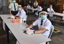 Photo of خريجون ماليزيون من جامعات مصرية ينتجون دروع طبية واقية