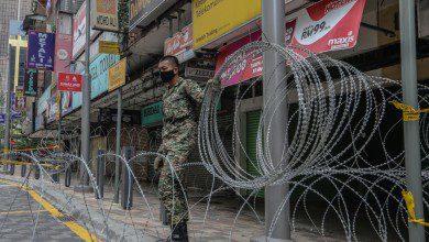 صورة بخلاف وعودها السابقة.. الحكومة الماليزية تعتقل عشرات اللاجئين والمهاجرين في كوالالمبور