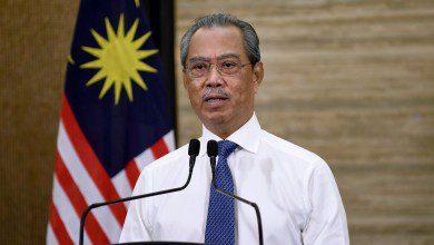 Photo of محيي الدين يحذر من العودة لتقييد الحركة: ماليزيا قد تخسر مليارين يومياً