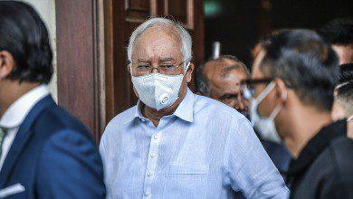 صورة بانتظار الاستئناف… نجيب عبد الرزاق يدفع كفالة بقيمة مليون رنجت