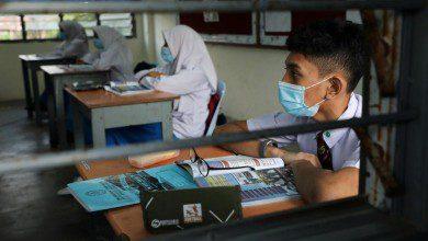 """صورة ارتداء """"الكمامات"""" ليس إلزامياً في مدارس ماليزيا حتى الآن"""
