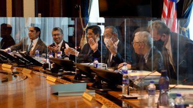 صورة تعطُّل اجتماع مجلس الوزراء الماليزي بعد حجر 5 وزراء