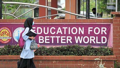 """صورة الاستمرار """"أونلاين"""" مع تجدد إغلاق المؤسسات التعليمية الماليزية"""