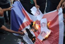 صورة ماليزيا تستدعي مسؤولاً بالسفارة الفرنسية للاحتجاج على الإساءة