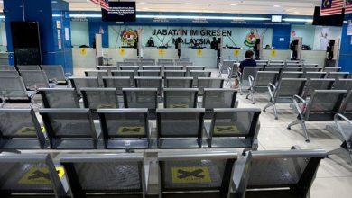 صورة مكاتب الهجرة تغلق أبوابها خلال فترة تقييد الحركة المشروط