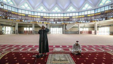 صورة السماح بالصلاة في المساجد بأعداد محدودة في بينانج وبيراك