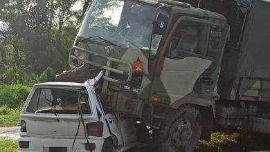 صورة ثلاثة قتلى في حادث سير مروع لشاحنة للجيش الماليزي