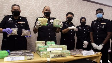 """صورة اعتقال 6 رجال شرطة بينهم ضابط بعد ضبطهم يتعاطون المخدرات في حفلة """"ليلية"""""""