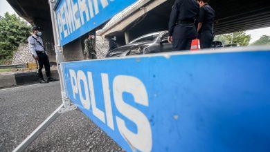 صورة مطالبات بعقوبة رادعة لشرطي تحرش بفتاة على أحد نقاط التفتيش في كوالالمبور