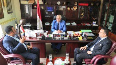 صورة السفير المصري بمسقط يستقبل رئيس جمعية رجال الأعمال المصريين العمانيين