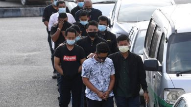 صورة مكافحة الفساد الماليزية تعتقل 8 موظفين في إدارة النقل لتورطهم في تلقي رشاوى من شركات نقل