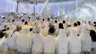 صورة انتهك تعليمات التباعد.. حفل زفاف نجمة ماليزية يثير غضب الجماهير والشرطة تحقق