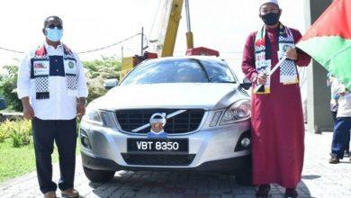 صورة رئيس وزراء قدح يبيع سيارته بـ150 ألف رنجيت ويقدمها لصندوق فلسطين