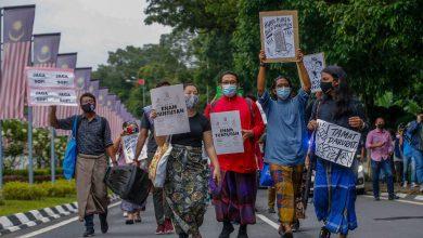 """صورة تظاهرة احتجاجية """"شبابية"""" للمطالبة بانعقاد جلسة البرلمان الماليزي وإنهاء الطوارئ"""