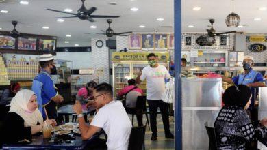 صورة ولاية صباح تسمح بفتح صالونات الحلاقة وتناول الطعام في المطاعم