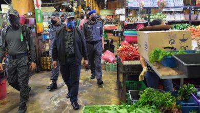 صورة بينهم 39 لاجئاً… الهجرة الماليزية تعتقل 72 عاملاً أجنبياً في سوق بسيلانجور