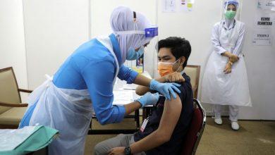 صورة الحكومة الماليزية تدرس الملاحقة القانونية لمن يدعون المواطنين لعدم أخذ لقاحات كورونا