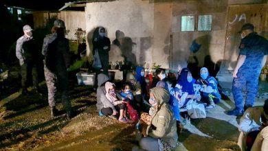 صورة بينهم 15 امراًة و22 طفلاً.. الهجرة الماليزية تعتقل عدداً من المهاجرين الأجانب