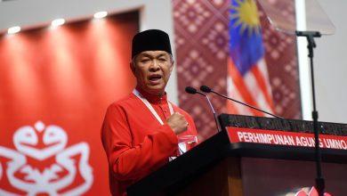 صورة أمنو يُعلن سحب دعمه لرئيس الوزراء الماليزي ويطالبه بالتنحي