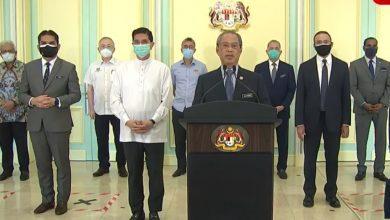 صورة رئيس الوزراء الماليزي يطلب الدعم من المعارضة للخروج من الأزمة