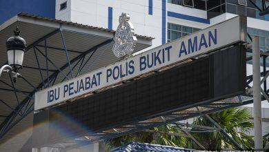صورة الشرطة الماليزية تلقي القبض على عصابة احتيال إلكتروني من 52 شخصاً