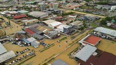 صورة فيضانات وهزة أرضية تضرب شرقي ماليزيا